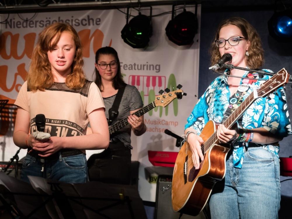 """Noch freie Plätze beim """"MädchenMusikCamp EMMA"""""""