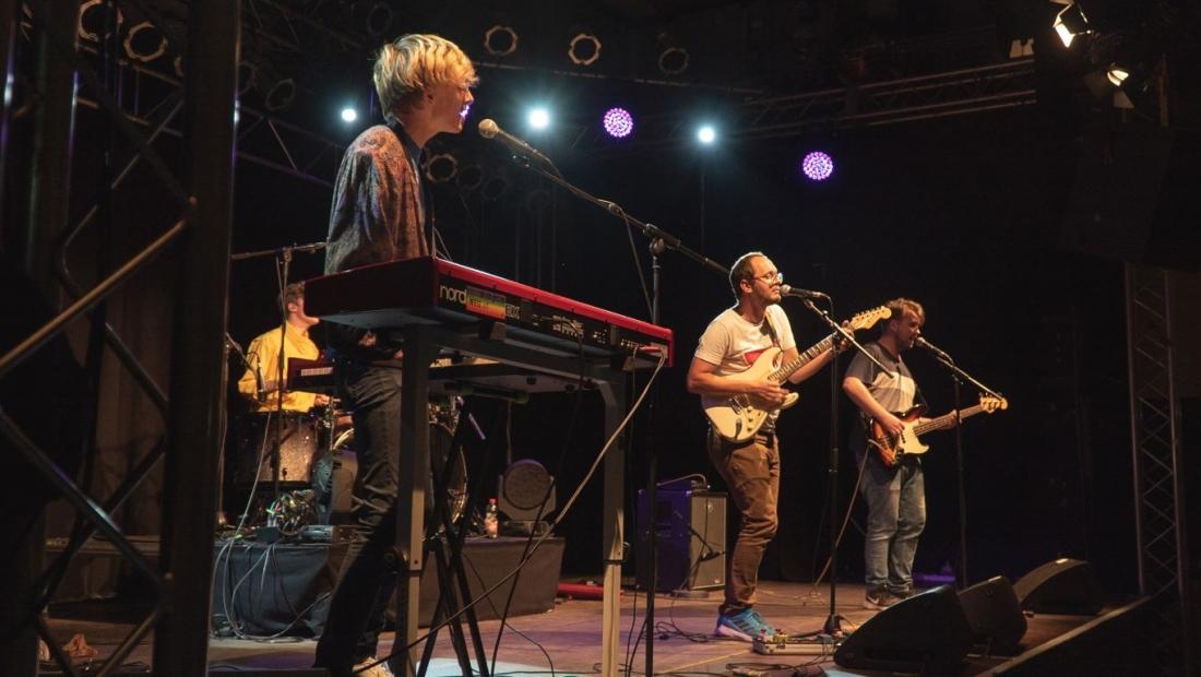 """Anmelden für """"local heroes"""" – junge Musikerinnen und Musiker können auch 2021 Live-Erfahrungen sammeln"""
